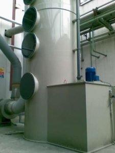 Applicazione 1: Dettaglio torre in polipropilene installata per il lavaggio COV