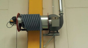 Applicazione 2: particolare dell'arrotolatore per la pulizia diretta sulla macchina